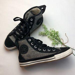 Converse Black High Top Shoes Size 7